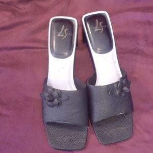 Black weave design slide heels